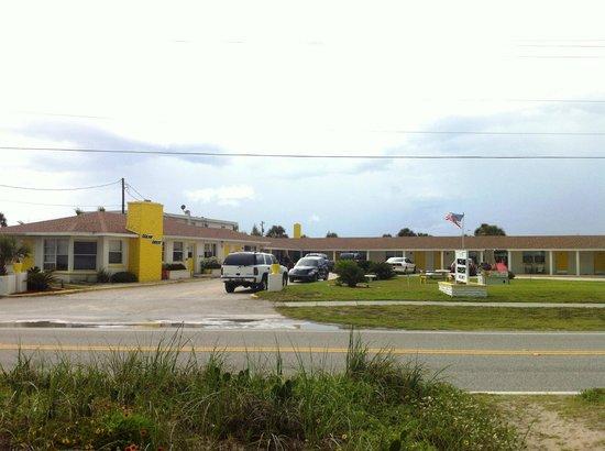 Ocean Crest Motel: Hotel & Grounds