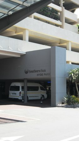 Southern Sun Hyde Park Sandton: Entrance