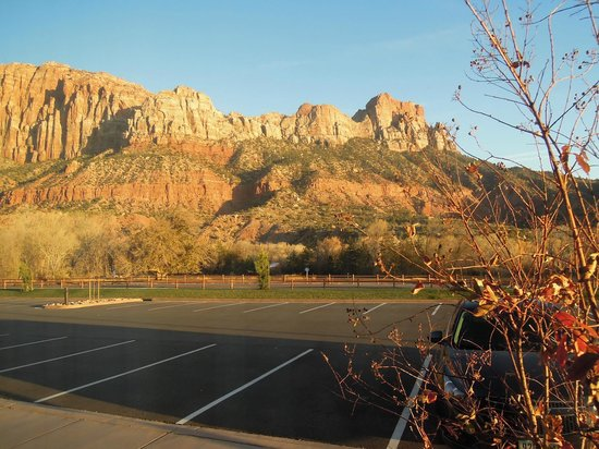Hampton Inn & Suites Springdale Zion National Park : View from room