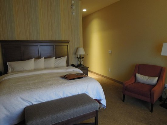 Hampton Inn & Suites Springdale Zion National Park : Bed