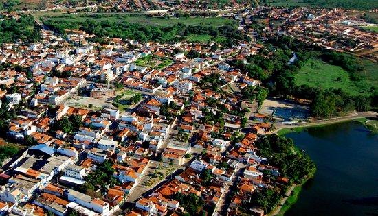 Cacule, BA: Caculé -  Centro e Lagoa Manoel Caculé