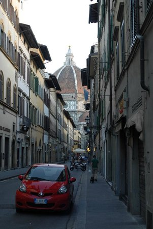B & B Novecento: Street view from hotel