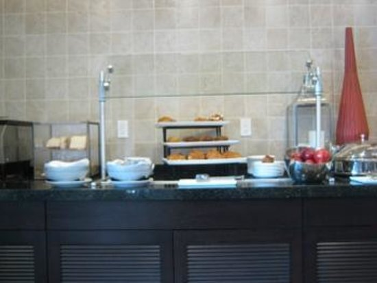 Hilton Garden Inn Los Angeles Marina Del Rey: Breakfast Buffet-yummy