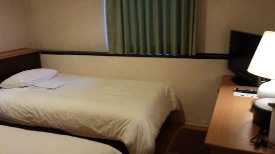 Osaka Castle Hotel: 客室(中庭側)