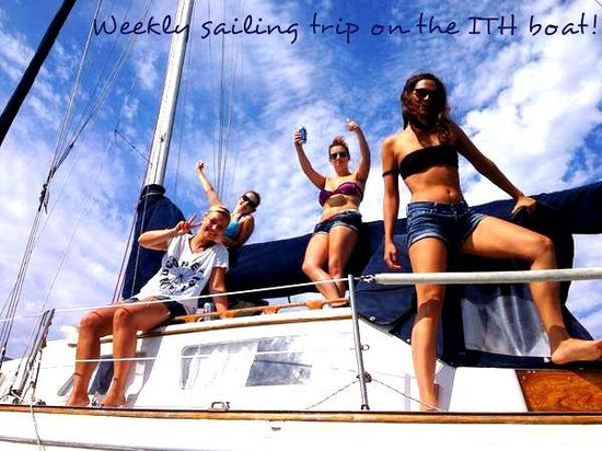 ITH Zoo Hostel San Diego: Free Boat Parties