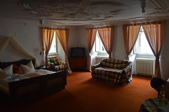 Hotel Am weissen Turm: Наш номер