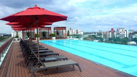 Amari Residences Bangkok: Rooftop Pool