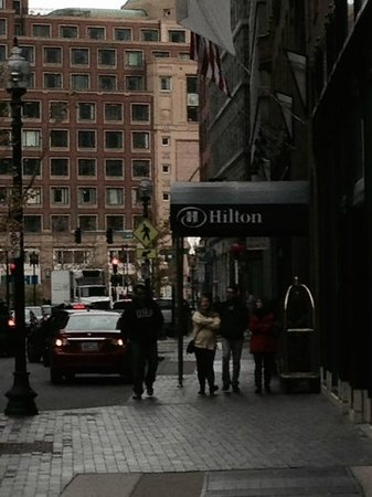 Boston Broad Street Entrance, Hilton Boston Downtown / Faneuil Hall  |  89 Broad Street, Boston,