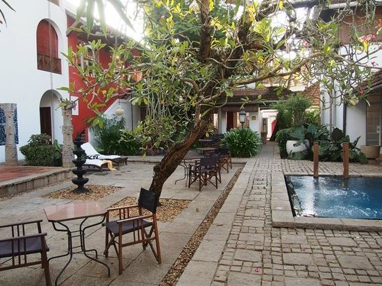 Malabar House: Central courtyard
