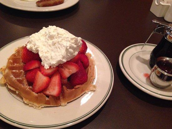 Original Pancake House: Strawberry waffles