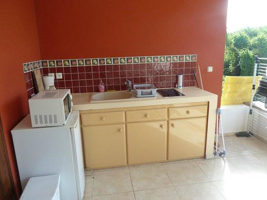 Le Cap Malo: cucina esterna