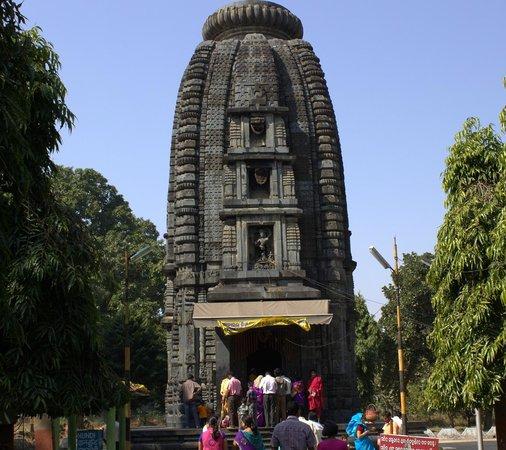 Baripada, India: beauty made in black stones