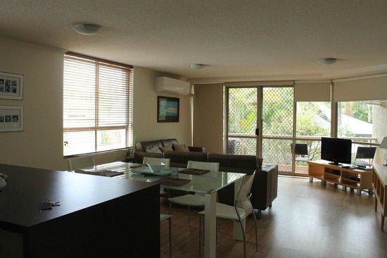 Sanctuary Beach Resort: Living / Dining area
