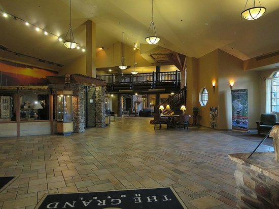 The Grand Hotel at the Grand Canyon : lobby area