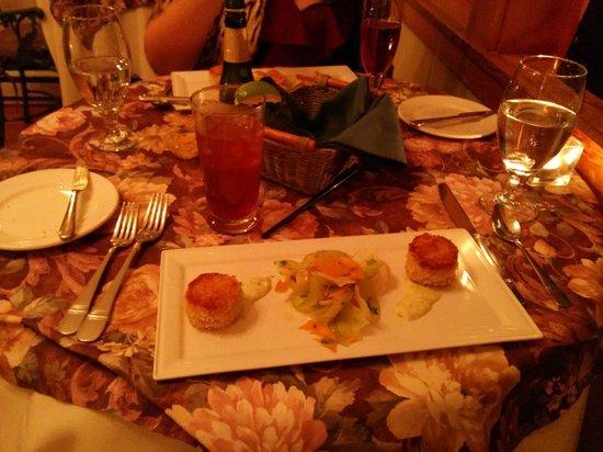 Mahle House Restaurant: crab cakes, daikon salad