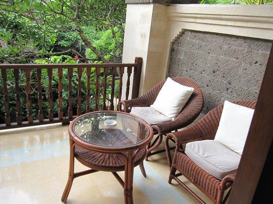 Puri Santrian: the porch