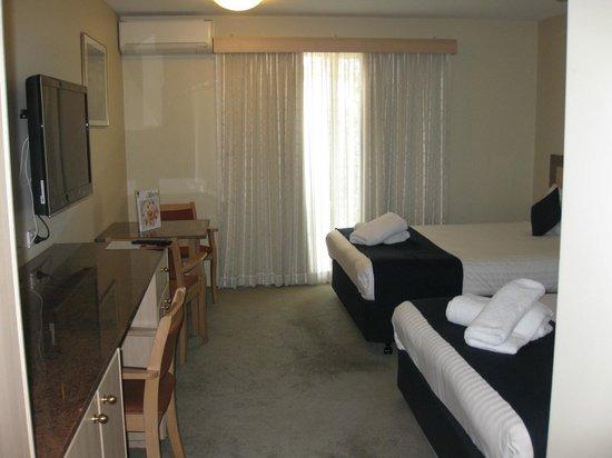 Ibis Styles Canberra Narrabundah: Superior queen room
