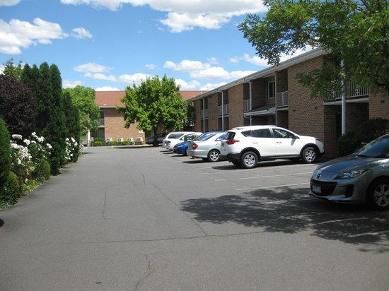 Ibis Styles Canberra Narrabundah: Hotel complex