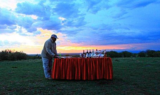 Olare Mara Kempinski Masai Mara: Drinks in the wild!!