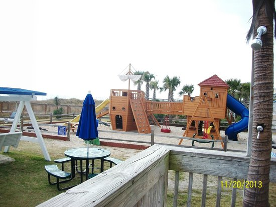 Dunes Village Resort : Pirate Playground