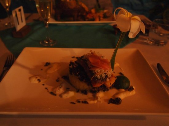First Landing Beach Resort & Villas: Local Seafood and root crops