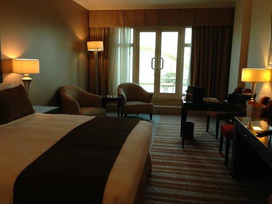 Roda Al Murooj: Room