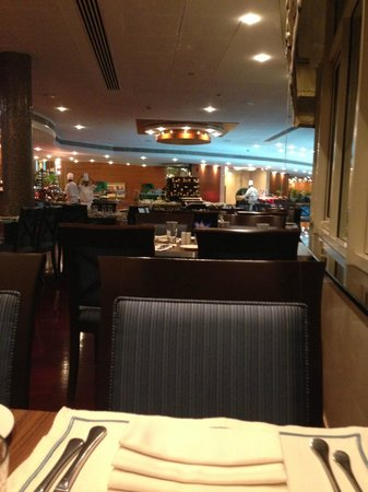 Roda Al Murooj: Pergolas Restaurant