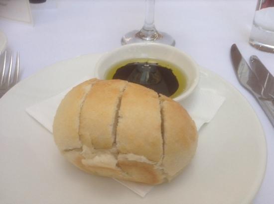 Restaurant Esca : fresh olive bread