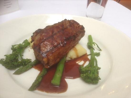 Restaurant Esca : steak and veggies