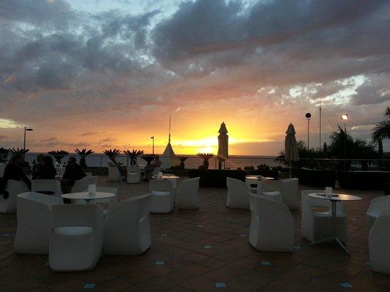 H10 Playa Meloneras Palace: Utsikt från poolbaren