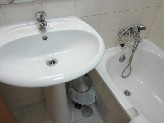 Residencial O Paradouro: bathroom
