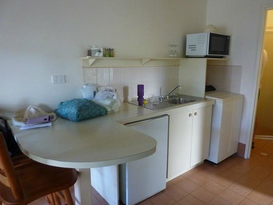 Station House : Kitchen with breakfast bar
