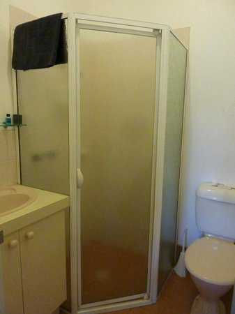 Station House: Bathroom - small but serviceable