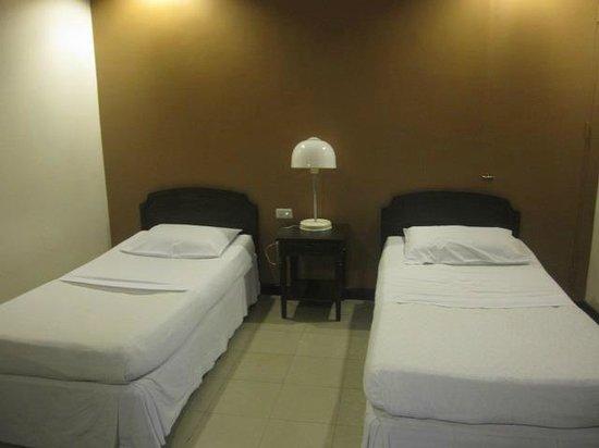 Hotel Sea Breeze: Beds
