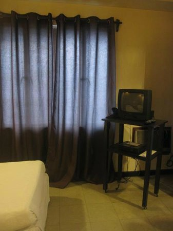 Hotel Sea Breeze: Television with Cable
