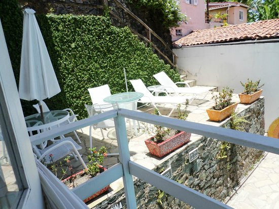 Solar Das Artes Pousada Boutique - Morro: Vista do quarto para a piscina
