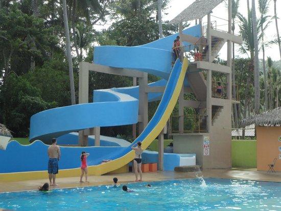 Coco Splash Adventure and Water Park: Bananna Slide!!!