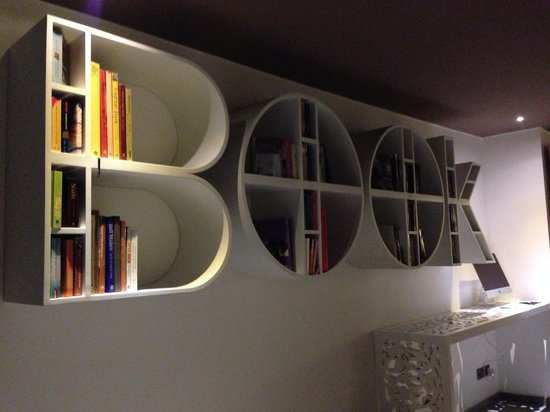 Kejora Suites: Book and DVD rack