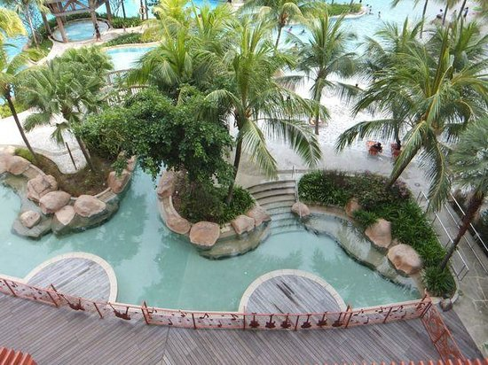 Hard Rock Hotel Singapore: Hard Rock Pool - view from level 5