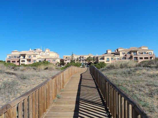 Barcelo Punta Umbria Mar: Hotel vom Strand