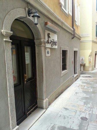 Hotel James Joyce: L'ingresso