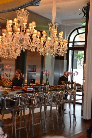 Buffet picture of la cuisine le royal monceau paris for Restaurant la cuisine royal monceau