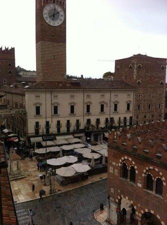Hotel Aurora : Piazza Erbe - vista dalla camera