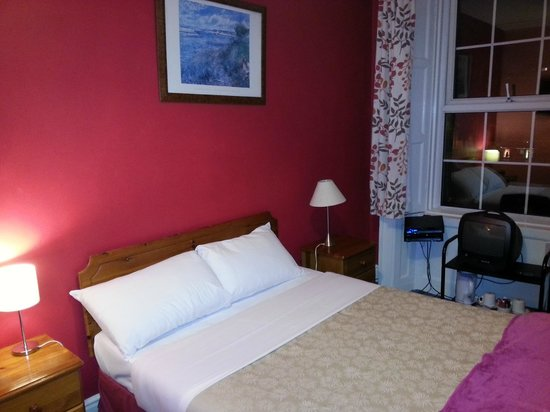 Inn on the Liffey: Bedroom on 2nd occasion