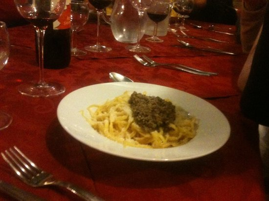 Da Antonietta : Tagliolini alla salsiccia