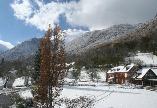 Le Domaine de Ramonjuan dans son cadre majestueux en hiver