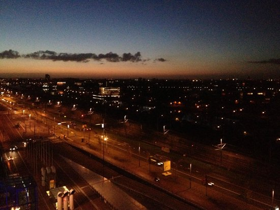 Mövenpick Hotel Amsterdam City Center: The view from room is very nice