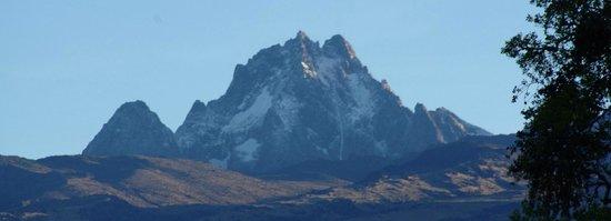 Serena Mountain Lodge: Mt Kenya from upstairs