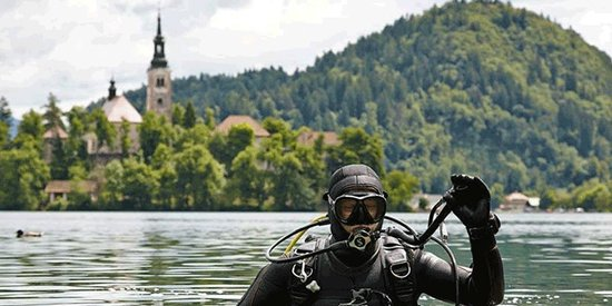 Diving Centre Zaka SUB Bled: Diving in the beautiful Lake Bled
