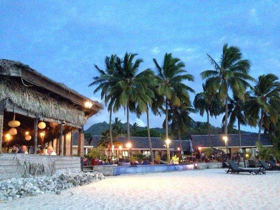 Manuia Beach Resort: Dusk